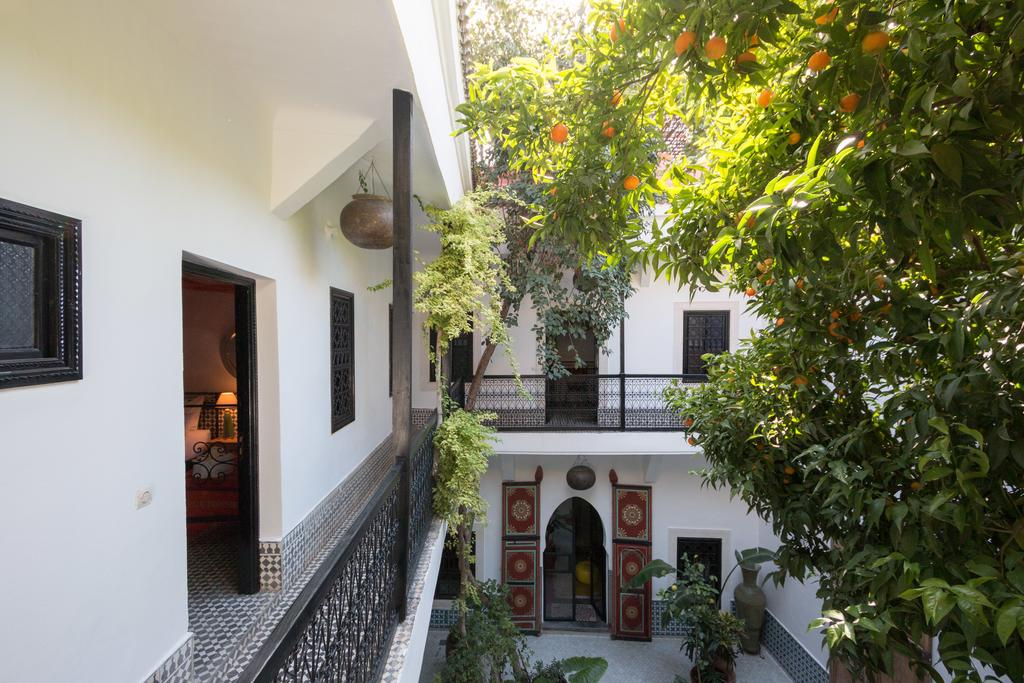Riad Lhena patio