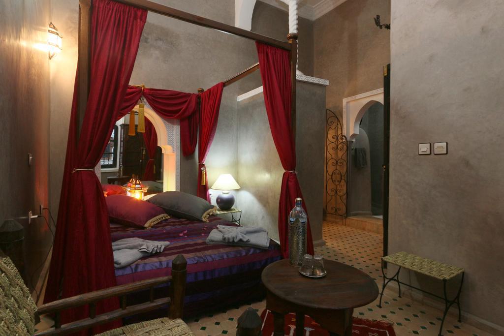habitaciones riad el bellar